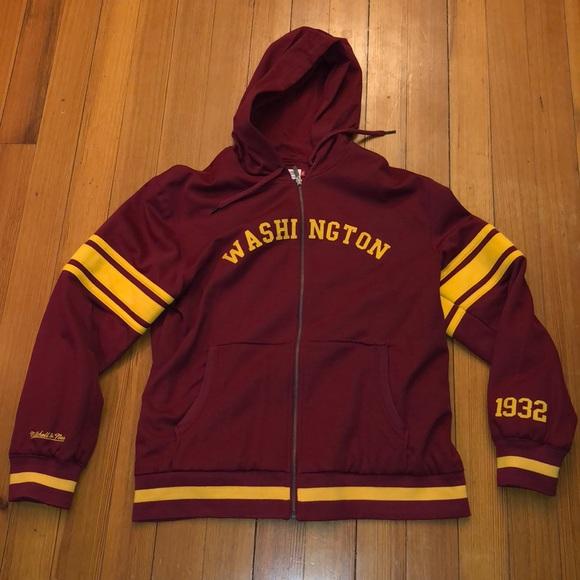 newest d68b9 0dca6 Mitchell & Ness Washington Redskins Sweatshirt